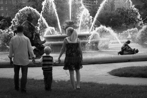 Family at the fountains