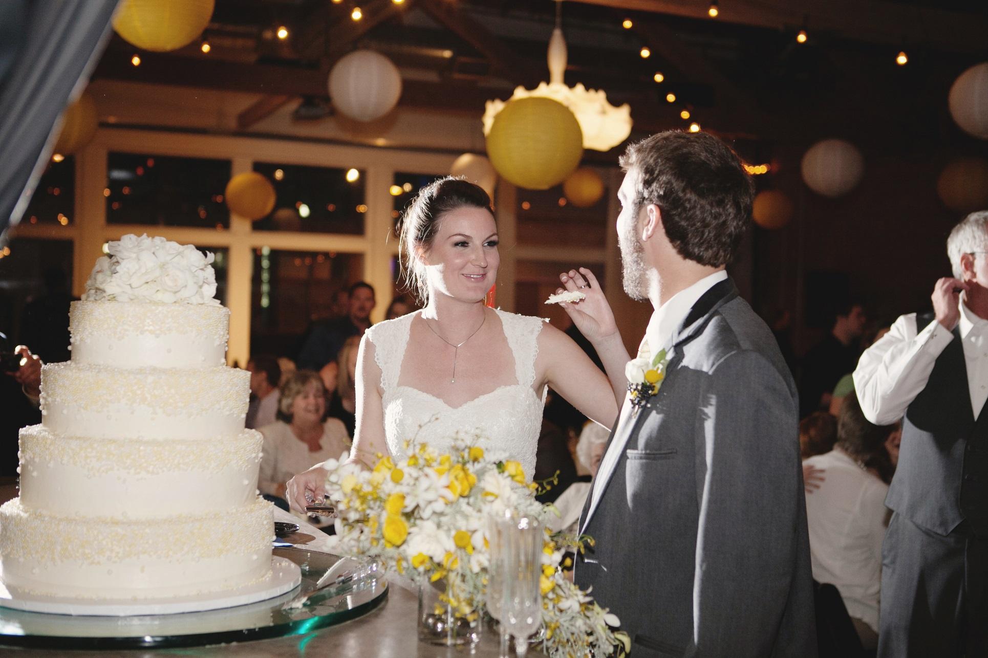 berg cake cutting