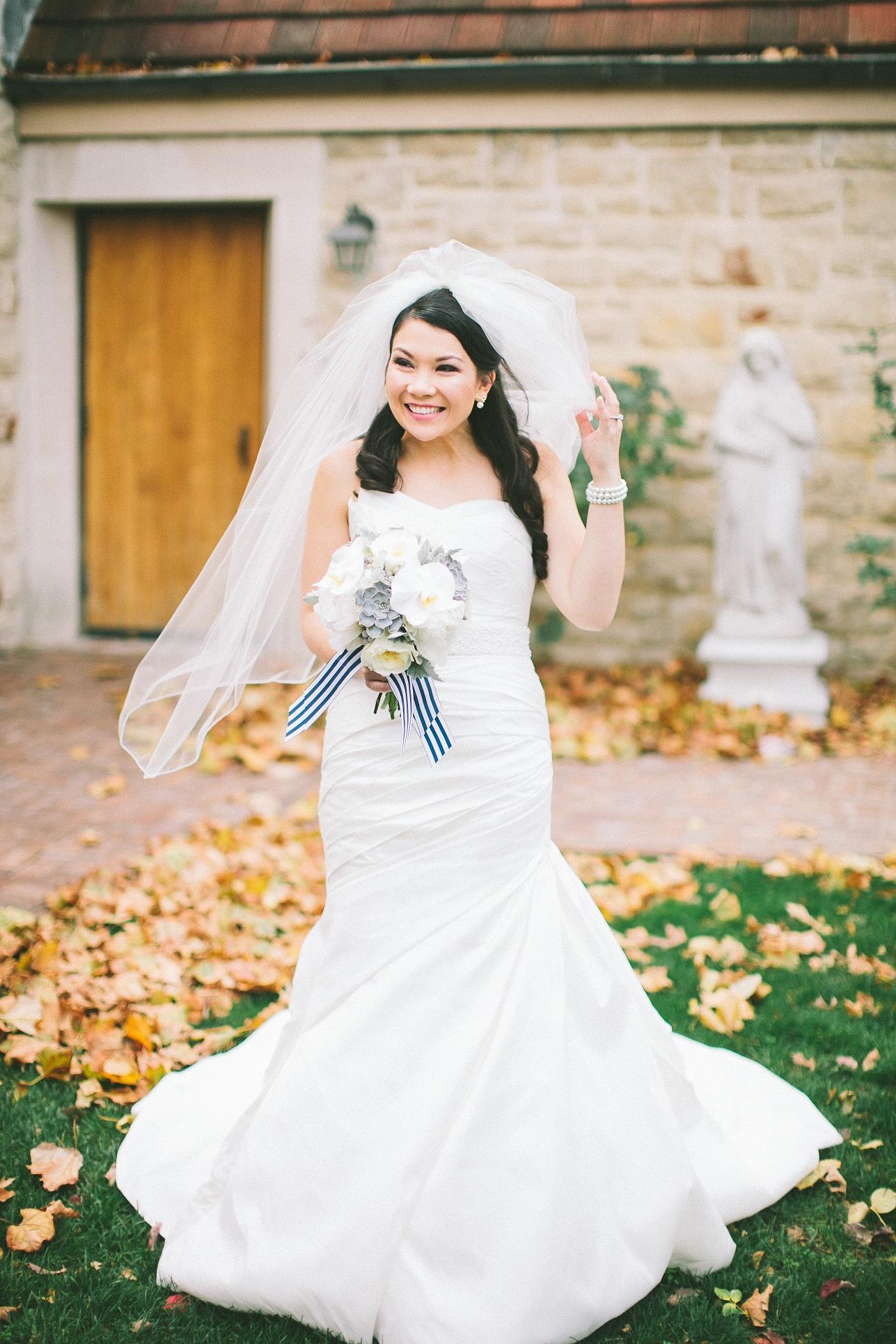 nautical bouquet bride