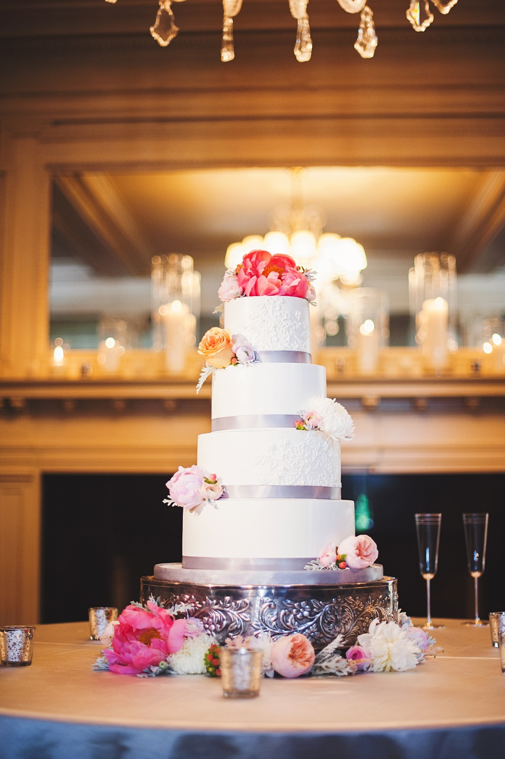 Longview Mansion wedding cake