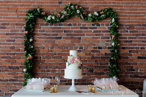 garland cake table